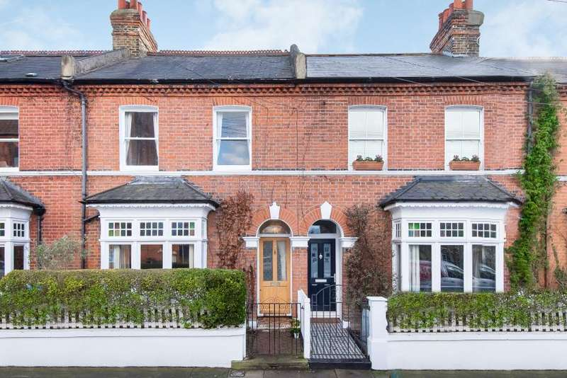 4 Bedrooms House for sale in Northcote Road, St Margarets, TW1