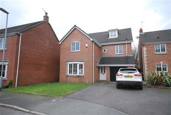 5 Bedrooms Detached House for sale in Biggin Garden, Heywood