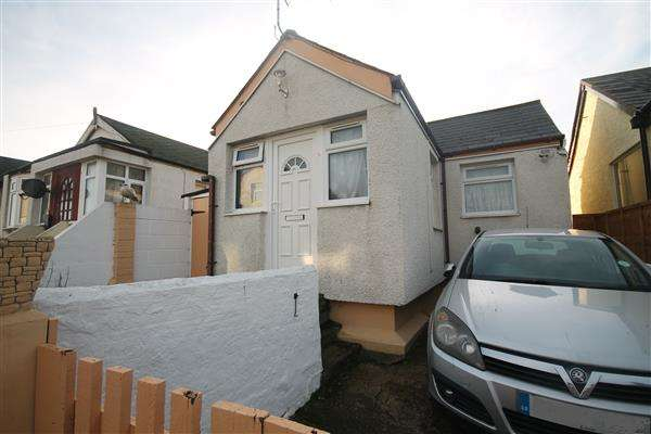 1 Bedroom Bungalow for sale in Riley Avenue, Jaywick