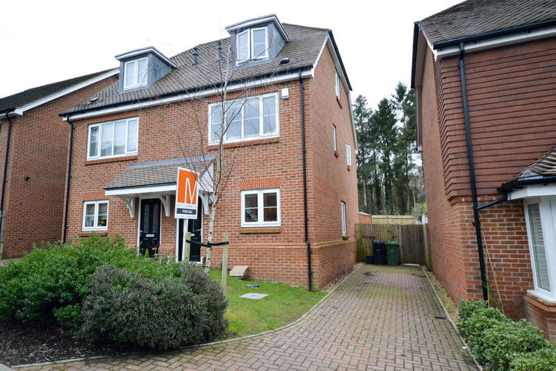 3 Bedrooms Detached House for sale in Marley Rise, Dorking