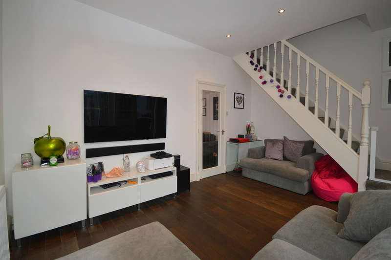 2 Bedrooms Terraced House for sale in Lorne Street, Lytham St. Annes