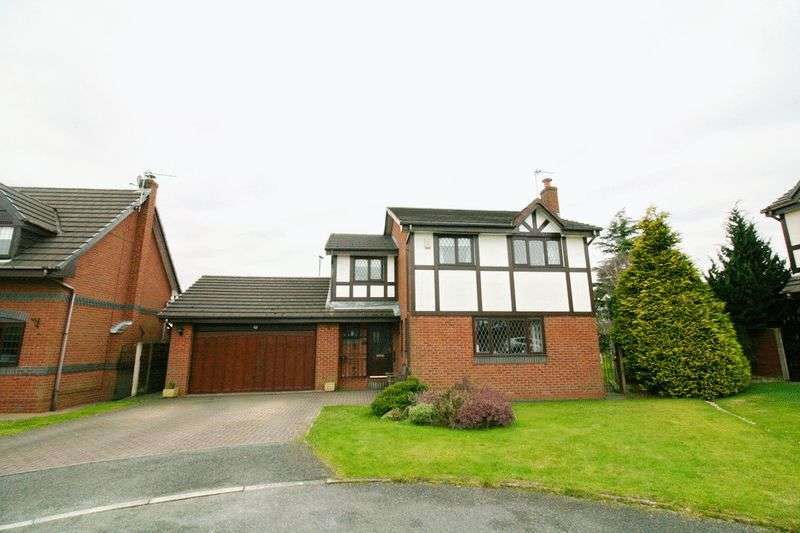 4 Bedrooms Detached House for sale in Bellpit Close, Ellenbrook Worsley Manchester