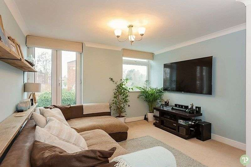 2 Bedrooms Flat for sale in Harefields, North Oxford