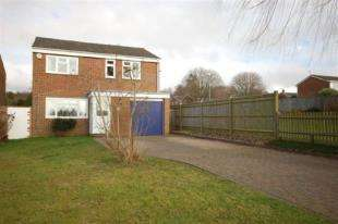 4 Bedrooms Detached House for sale in Lashbrooks Road, Uckfield, East Sussex