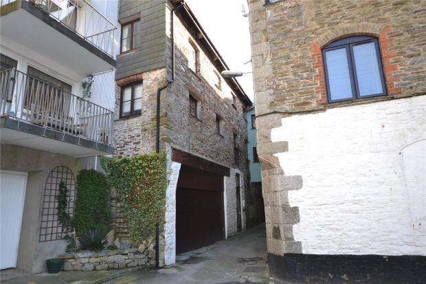 2 Bedrooms Flat for sale in Buller House, The Quay, East Looe, Cornwall