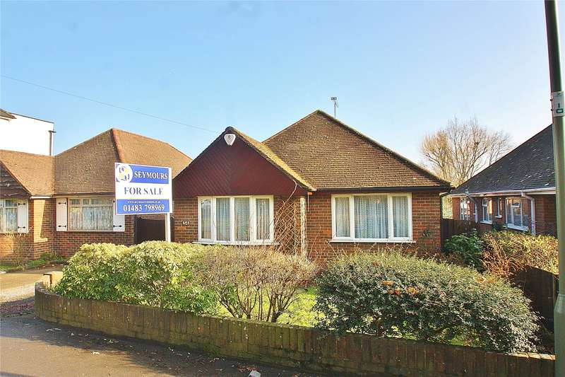 3 Bedrooms Detached Bungalow for sale in Lower Guildford Road, Knaphill, Woking, Surrey, GU21