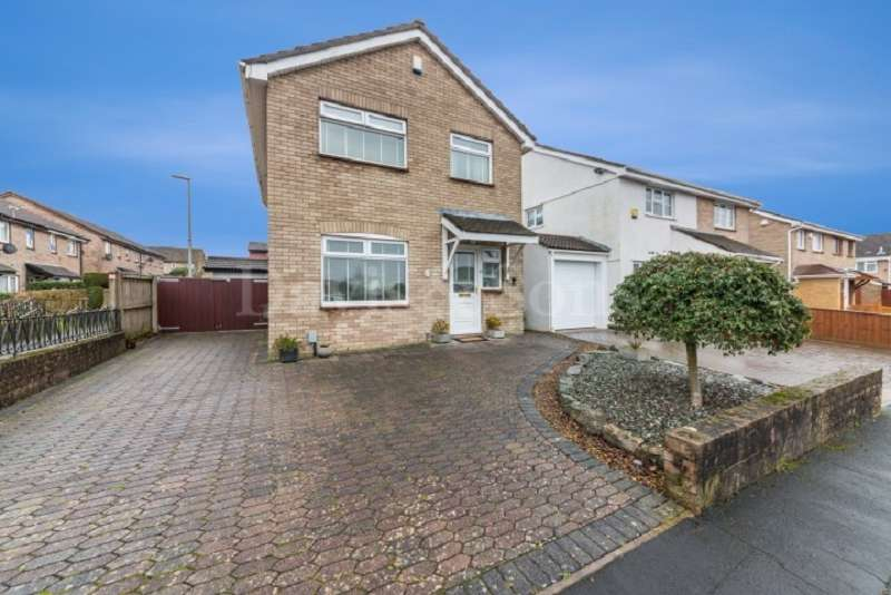 4 Bedrooms Detached House for sale in Bardsey Close, St Julians, Newport. NP19 7TE