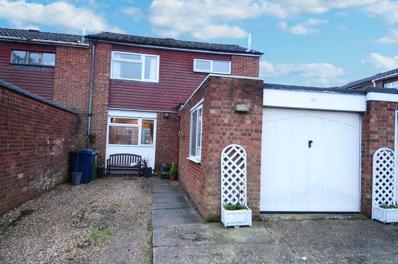 3 Bedrooms End Of Terrace House for sale in Oakwood, Flackwell Heath, HP10