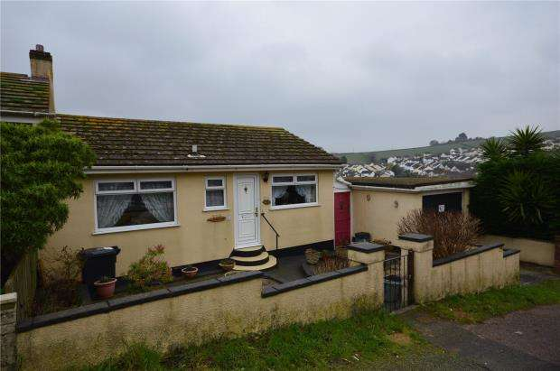 2 Bedrooms Semi Detached House for sale in Lake Avenue, Teignmouth, Devon
