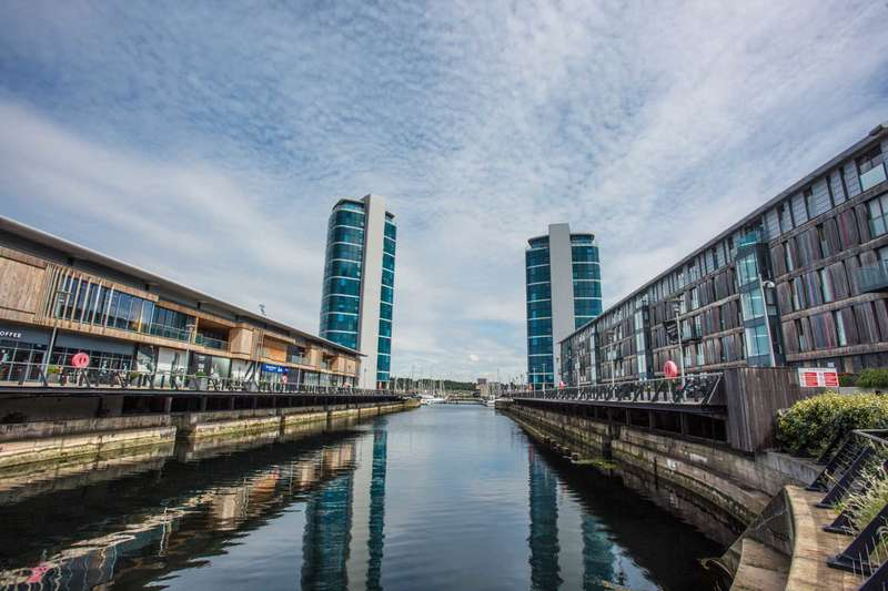 1 Bedroom Flat for sale in Marina Point West, Dock Head Road