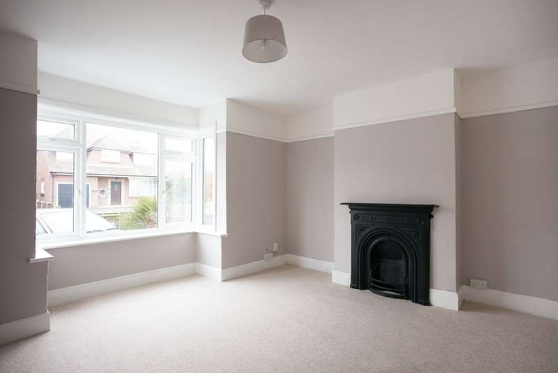 3 Bedrooms Semi Detached House for sale in Fairmile Road, Christchurch, Dorset, BH23