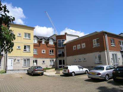 2 Bedrooms Flat for sale in Gloucester Square, Southampton, Hampshire
