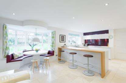 5 Bedrooms Detached House for sale in Partridge Way, Oakham, Rutland, Leicestershire