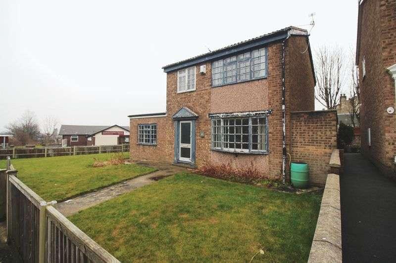 3 Bedrooms Detached House for sale in South Lane, Elland