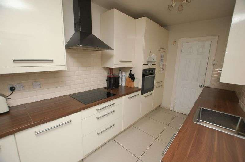 2 Bedrooms Terraced House for sale in Lord Street, Bolton