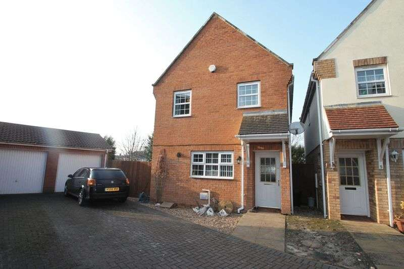 3 Bedrooms Semi Detached House for sale in Heron Way, Spalding