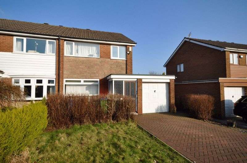 3 Bedrooms Semi Detached House for sale in Dorchester Grove, Heywood