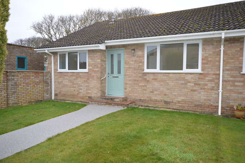 2 Bedrooms Bungalow for sale in Seaway, Barton on Sea