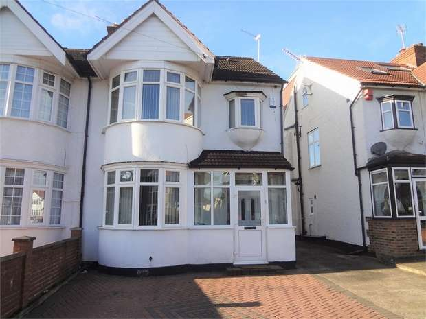 4 Bedrooms Semi Detached House for sale in Larkfield Avenue, Harrow, Middlesex
