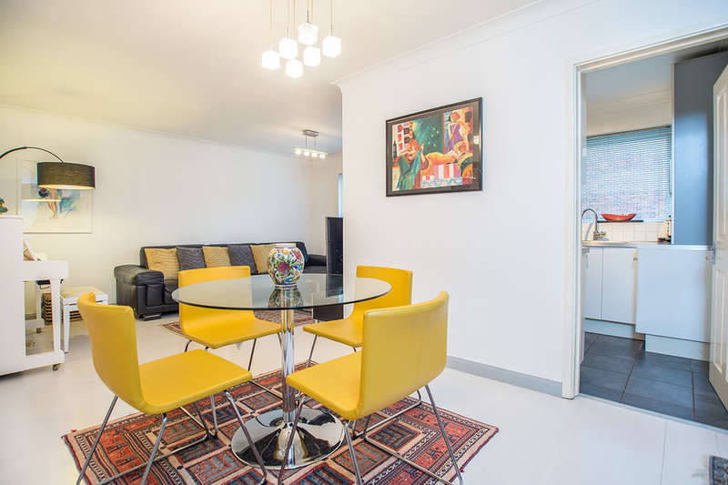 2 Bedrooms Flat for sale in Overton Road, Sutton, SM2