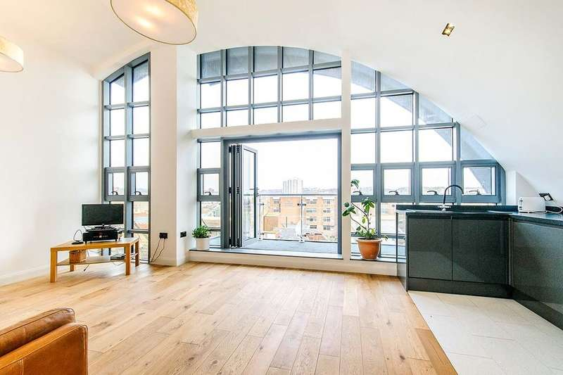 2 Bedrooms Flat for sale in Penthouse Liberty Court Cliff Street, Ramsgate, CT11