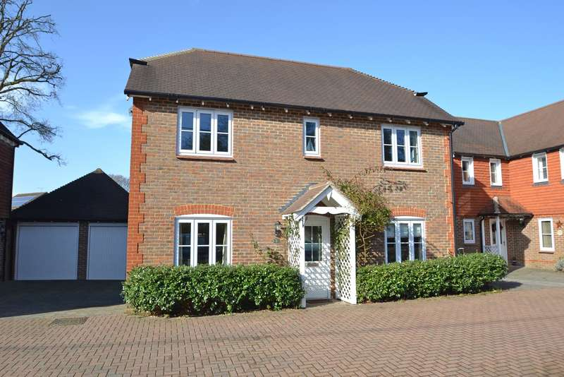 4 Bedrooms Detached House for sale in Old Brighton Road North, Pease Pottage, Crawley, West Sussex, RH11