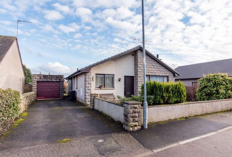 4 Bedrooms Bungalow for sale in Mill Lane, Stuartfield, Peterhead, AB42 5ET