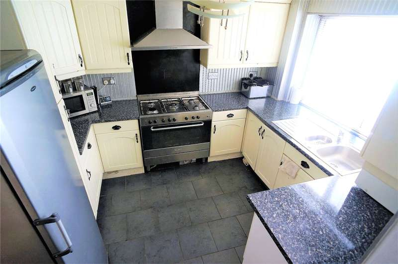 3 Bedrooms Terraced House for sale in Seagull Road, Rochester, Kent, ME2