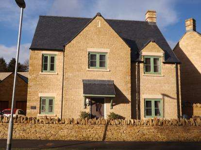 4 Bedrooms Detached House for sale in Mitchell Way, Upper Rissington, Cheltenham