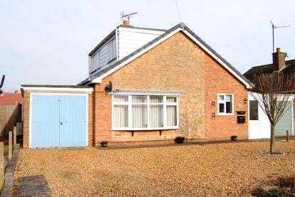 3 Bedrooms Bungalow for sale in Gorefield Road, Leverington, Wisbech
