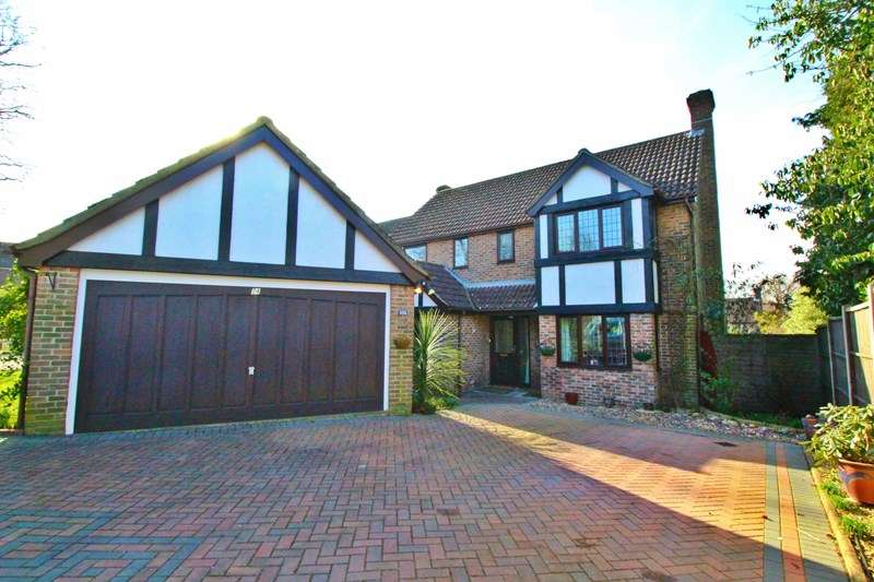 4 Bedrooms Detached House for sale in Oaks Coppice, Waterlooville