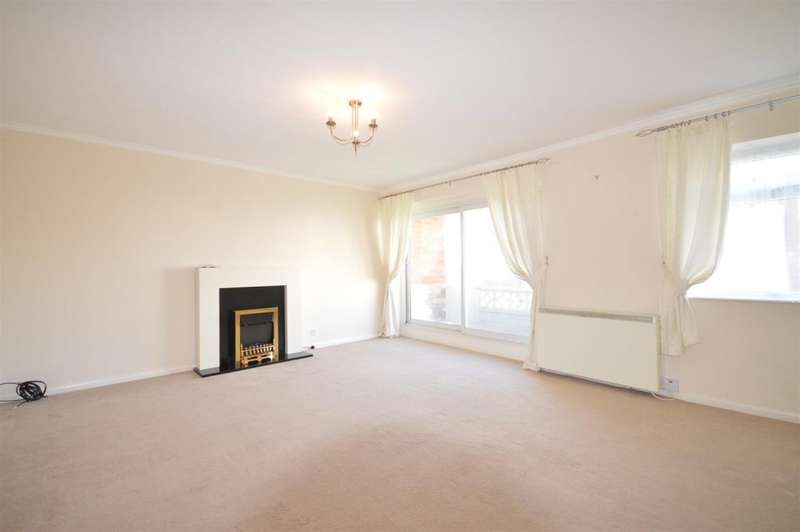 2 Bedrooms Flat for sale in Lindsay Court, New Road, Lytham St. Annes