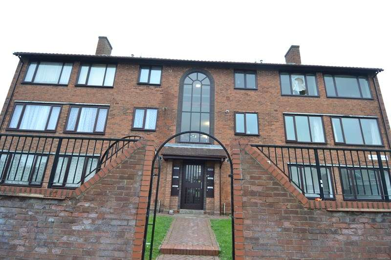 3 Bedrooms Flat for sale in Hallam Street, Balsall Heath, Birmingham