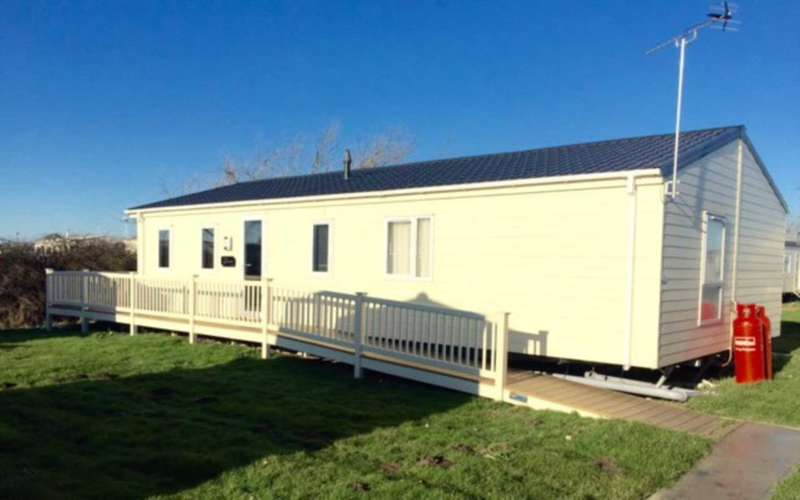 3 Bedrooms Lodge Character Property for sale in St Osyth Beach Holiday Park, Beach Road, St Osyth, Clacton-On-Sea