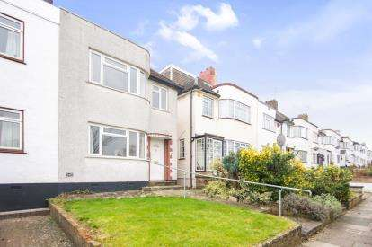 3 Bedrooms Semi Detached House for sale in East Walk, East Barnet, Barnet, .