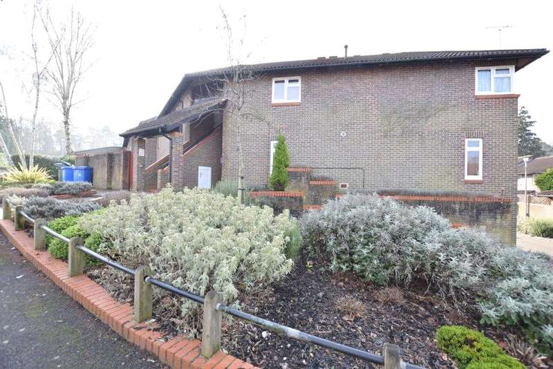 2 Bedrooms Maisonette Flat for sale in Worlds End Hill, Bracknell, Berkshire, RG12