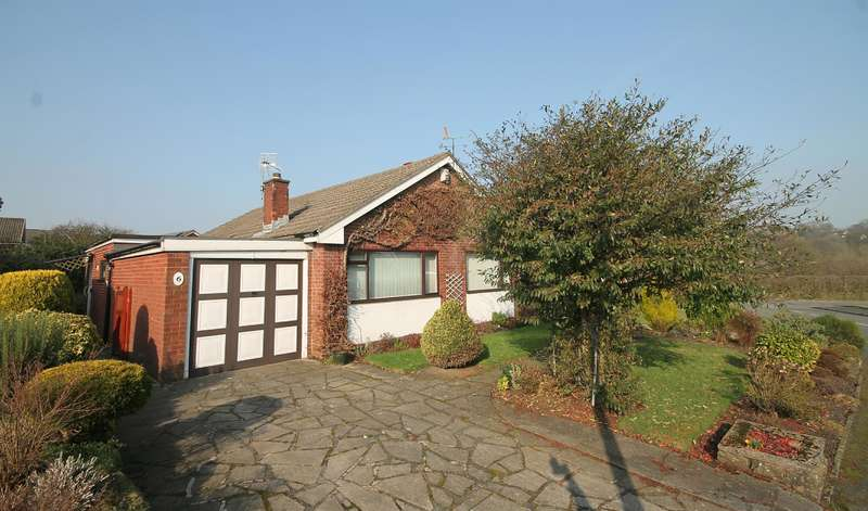 3 Bedrooms Detached Bungalow for sale in Rutherglen Drive, Ladybridge, Bolton, BL3 4PN
