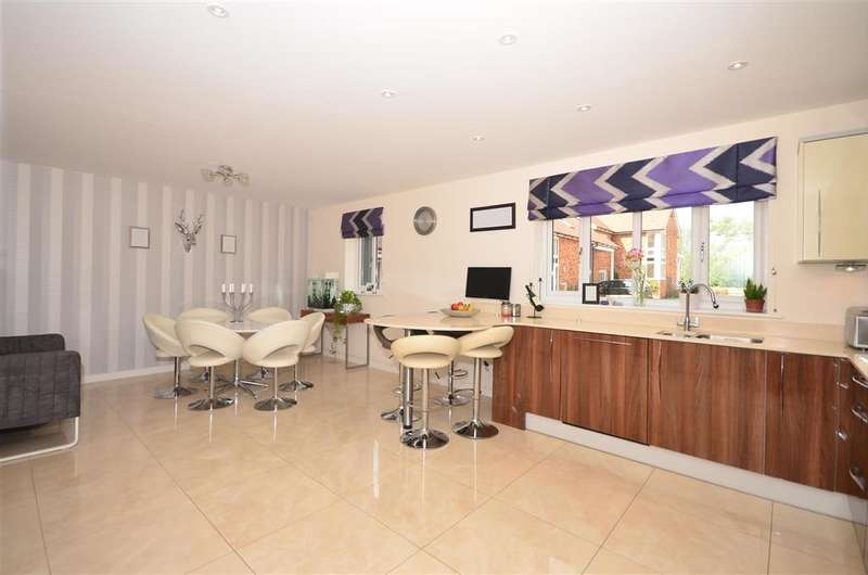 4 Bedrooms Semi Detached House for sale in Kingfisher Place, Chartham, Canterbury, Kent