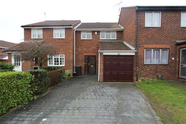3 Bedrooms Terraced House for sale in Artilery Row, Gravesend