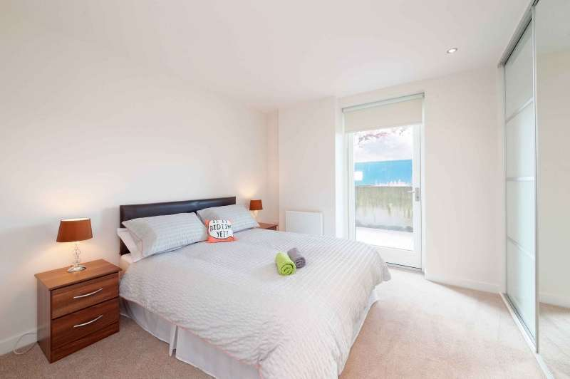 1 Bedroom Flat for sale in Meadowside Quay Walk, Glasgow Harbour, Glasgow, G11 6ED