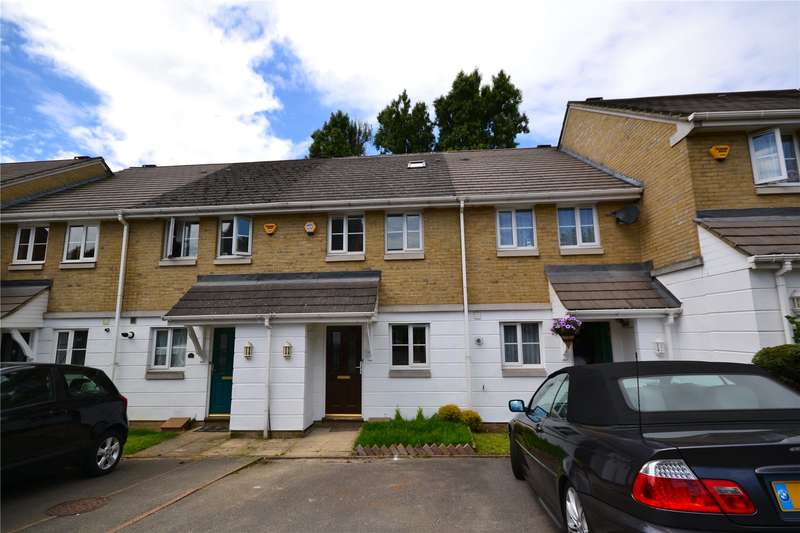 3 Bedrooms Terraced House for sale in Halton Close, Friern Barnet, London, N11