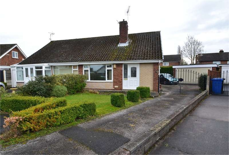 2 Bedrooms Semi Detached Bungalow for sale in Swanage Avenue, Offerton, Stockport SK2 5RF