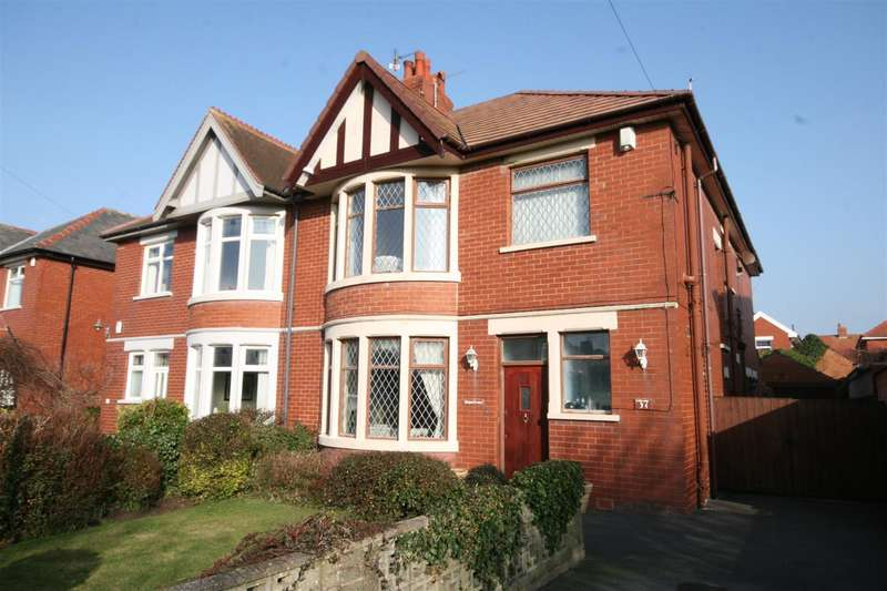 3 Bedrooms Property for sale in Newbury Road, Lytham St. Annes