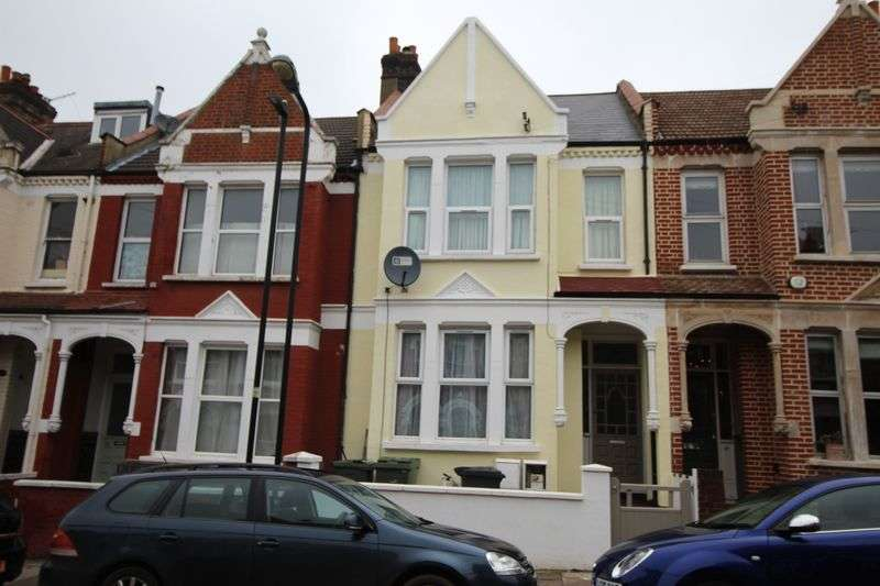 4 Bedrooms Flat for sale in Norfolk House Road, Streatham, London SW16