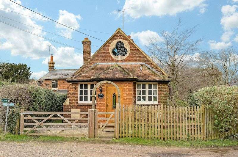 1 Bedroom Detached House for sale in Russells Water, Henley-On-Thames