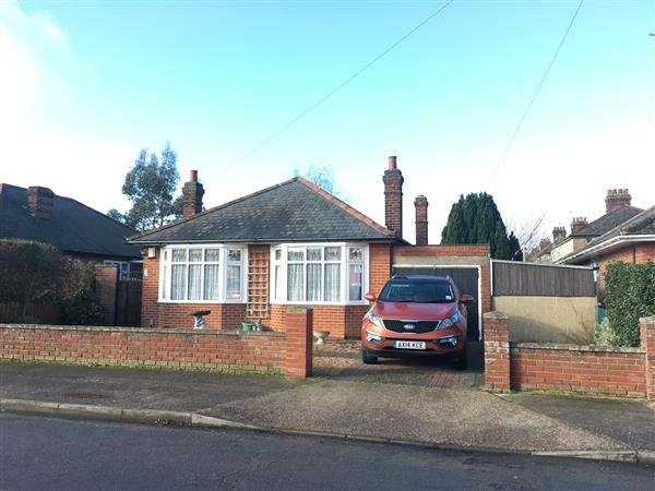 3 Bedrooms Bungalow for sale in Lee Road, Ipswich