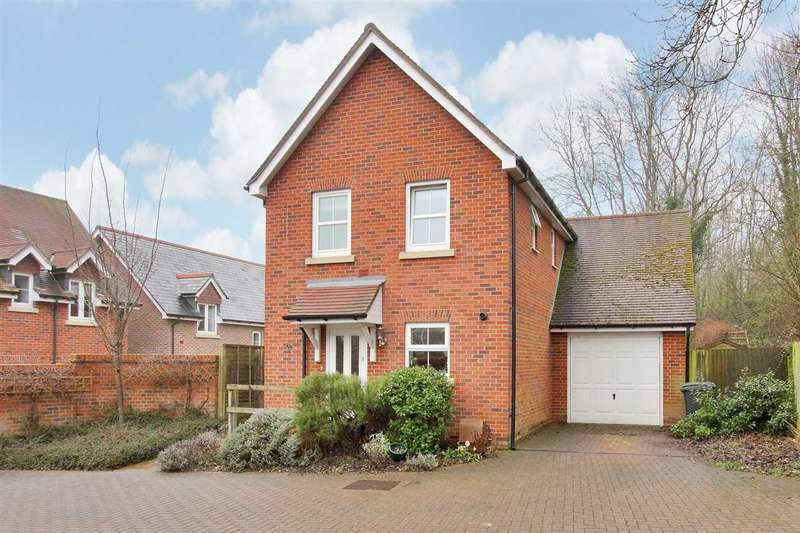 3 Bedrooms Detached House for sale in Park View, Whitchurch