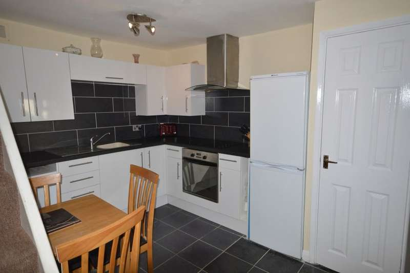 2 Bedrooms Semi Detached House for sale in Whitstable Road, Canterbury, CT2