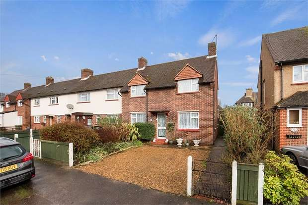 3 Bedrooms Semi Detached House for sale in Southdown Road, Hersham, WALTON-ON-THAMES, Surrey