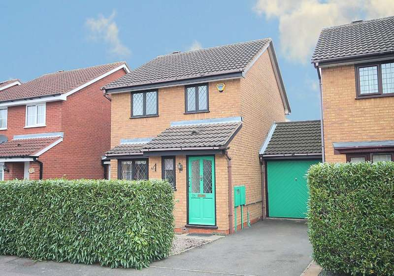 3 Bedrooms Semi Detached House for sale in Westmorland Close, Fazeley,Tamworth B78 3XA